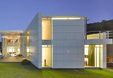 Haus O., Luxembourg - Architekt Richard Meier, New York - Aufnahme: Roland Halbe. Vorhänge und Verdunklungen